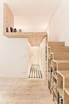 lit mezzanine adulte et escalier avec rangement pour les livres