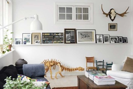 ...: Inspiration, Baby Chairs, Interiors Design, Art Display, Wall Shelves, Dinosaurs, White Interiors, Pictures Frames, White Wall