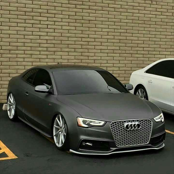 Beatifull RS5 i think, not R8 as stated
