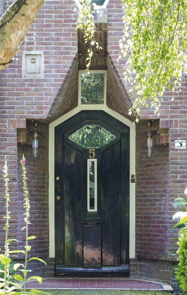 M. Staal-Kropholler, Villa Meezennest, Park Meerwijk, Bergen 1917-1918