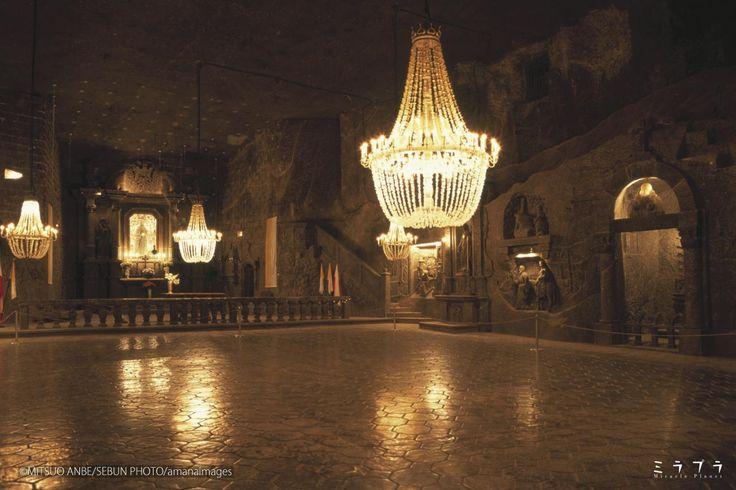 ヴィエリチカ岩塩坑の中、地下へとのびる迷宮 聖キンガ礼拝堂の祭壇(ポーランド) - ミラプラ(Miracle Planet)『週刊 奇跡の絶景』
