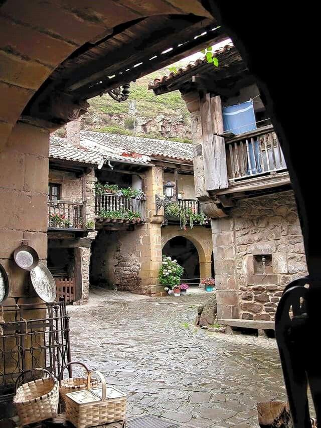 Bárcena Mayor. Cantabria. Spain.