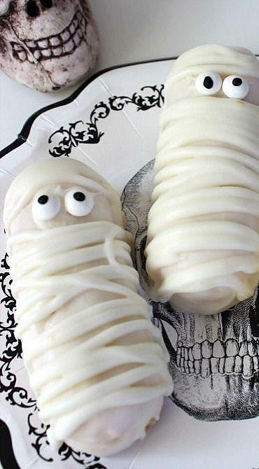 Halloween Twinkie Mummies | Halloween Recipe