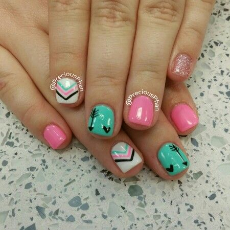 Arrow nails. Chevron. Pink and mint combo