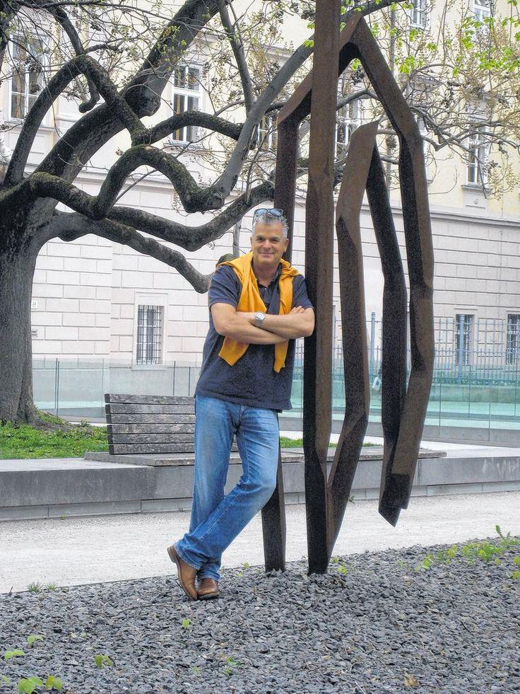 ORF-Moderator Wolfram Pirchner und sein Leben mit Panikattacken. Jetzt hat er ein Buch veröffentlicht. Mehr dazu hier: http://www.nachrichten.at/nachrichten/gesundheit/ORF-Moderator-Wolfram-Pirchner-und-sein-Leben-mit-Panikattacken;art114,1352083 (Bild: dh)