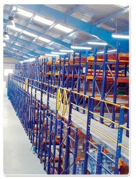 Warehouse Racking-Systems http://www.tsscuae.com/category/94/Industrial-Racking-System.html