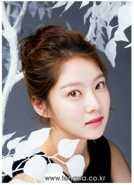 Gong Seung Yeon for TenAsia Interview Photo