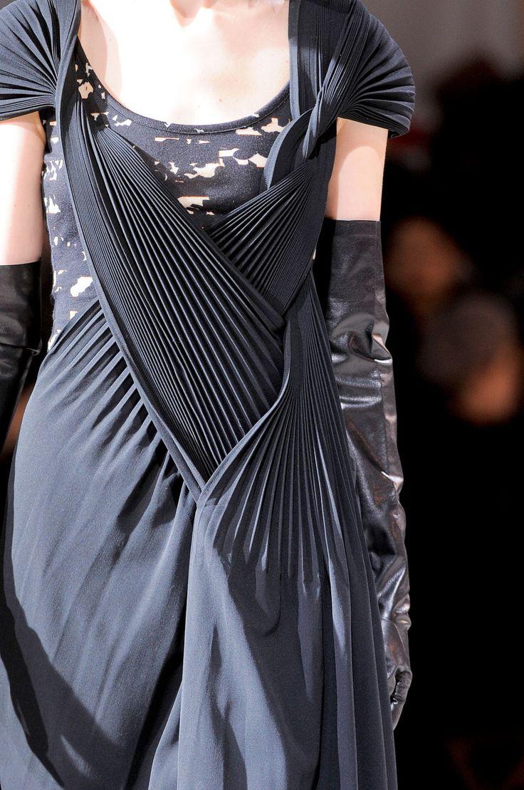 Casual Elegance dress with manipulated fabric detail - fashion design details // Yohji Yamamoto