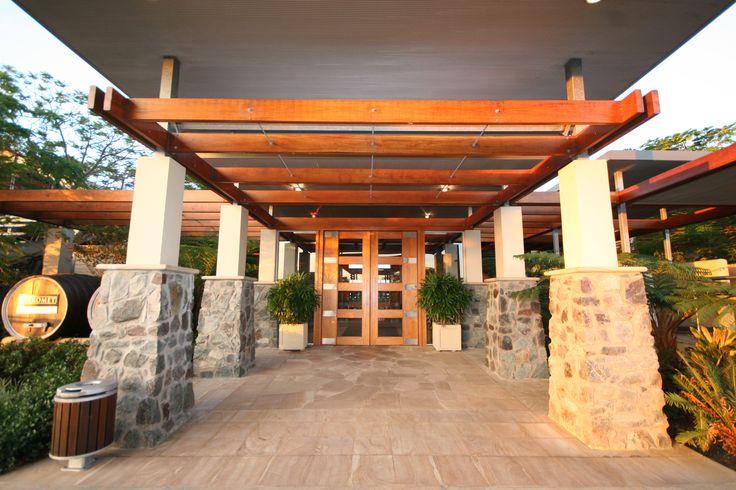 Restaurant Lurleen's grand entrance #australia #sirromet