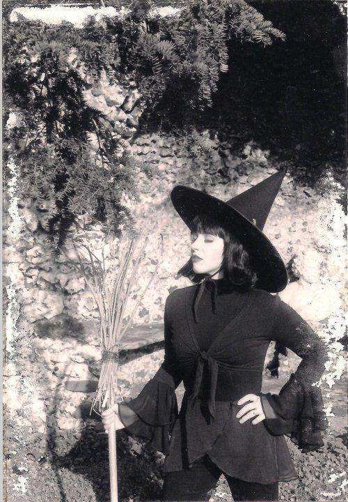 neofolk æsthetics | Witch costume diy, Witch diy, Witch