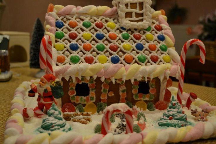 Gingerbread house! | Christmas | Pinterest