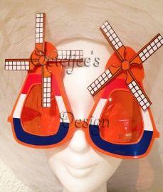 "Party zonnebril Oranje ""molentjes"" rood wit blauw | Oranje / WK feestattributen | Oeteljee.nl | Den Bosch |"