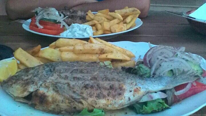 Dorado fish & suflaki