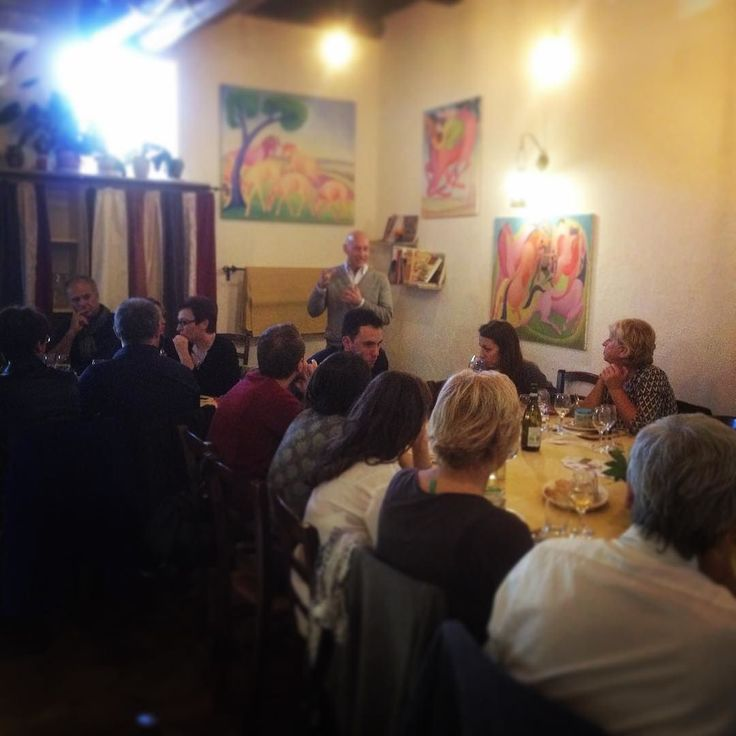 Fa epoca was an awesome #event and the first of many more to come. The #pecorino from Francesco Marras was amazing the #legumes from #perle della #tuscia were a hit and of course the #wine from #mottura was incredible. Thanks to all who came and especially to #ennio de Santis for his beautiful art #tuscania rules #sundays!