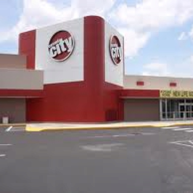 "Circuit city: Used to always love getting electronics there when I was little until I bought my last item there before the shut down. Missed seeing that big sign ""Circuit City"" passing by."