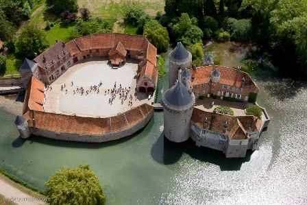 Château d'Olhain, Fresnicourt le Dolmen, Nord-Pas-de-Calais.