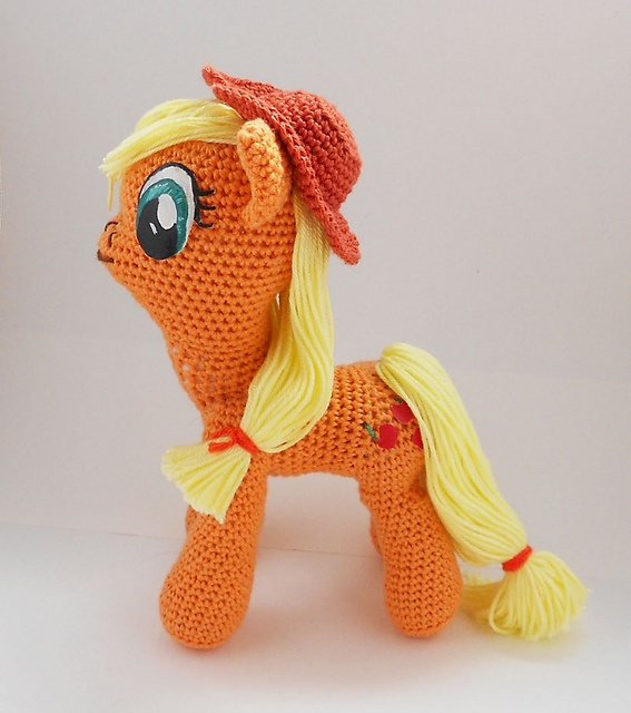 Amigurumi Pattern My Little Pony : 1000+ images about Geek-stuff on Pinterest Disney ...