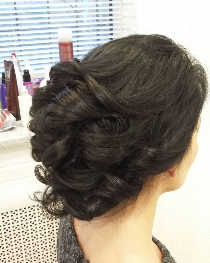 Прическа и снова для брюнетки. #брюнетка #прически #невеста2017 #локоны #студиялюбовисмирновой