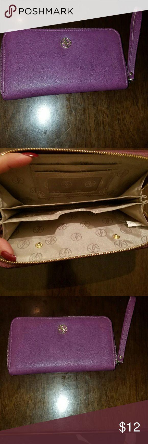 Adrienne Vittadini Wallet Purple wallet in great condition. Adrienne Vittadini Accessories