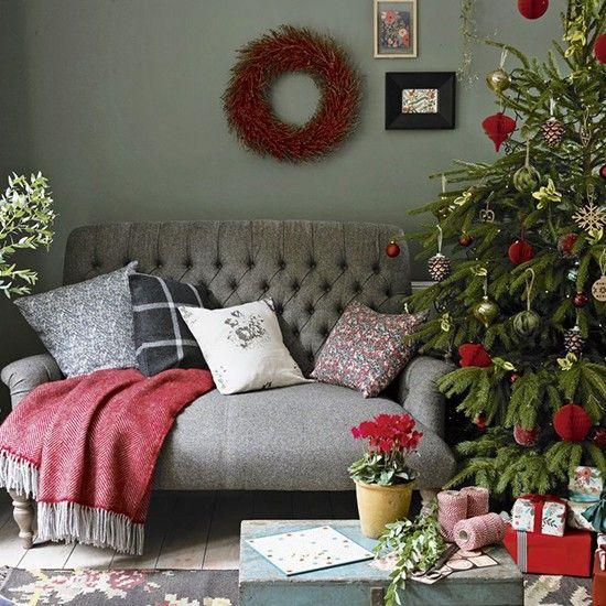 25 Unique Christmas Living Rooms Ideas On Pinterest