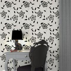 """Des fleurs pour votre intérieur ? Ce camaïeu de blanc et noir se mariera très bien dans une déco tendance ! Orné de fleurs et de délicates feuilles, couleur gris-noir somptueux. Ce papier peint, sur fond blanc, apportera une touche très """"nature"""" à votre déco !"""