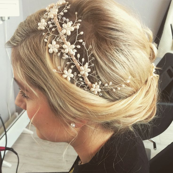 Vintage head piece and hair up