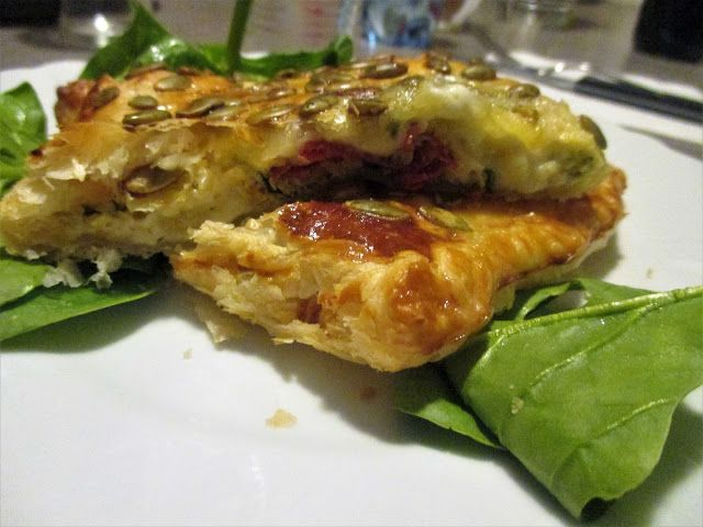 FORNELLI IN FIAMME: PUFF PASTRY WITH CHORIZO, FONTINA AND SPINACH - Pa...