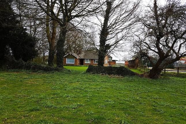 3 bed detached bungalow for sale in Selby Road, Thorne, Doncaster