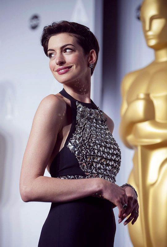"annehathaway: ""Anne Hathaway inside the press room for the 86th Academy Awards (March 2, 2014) """