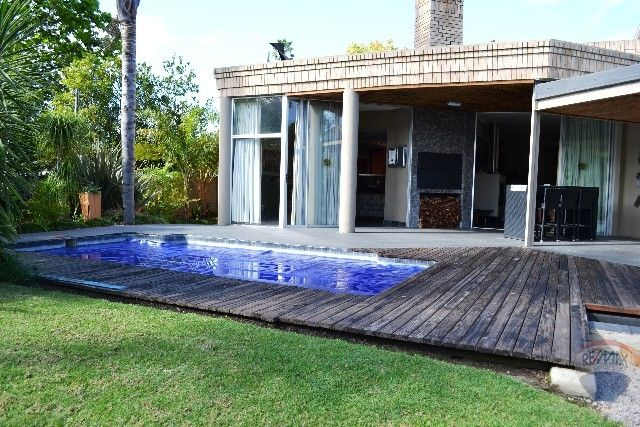 4 bedroom House For Sale in Heatherlands, George | 302199639 | RE/MAX #ForSale #GardenRoute #Mansion #Private