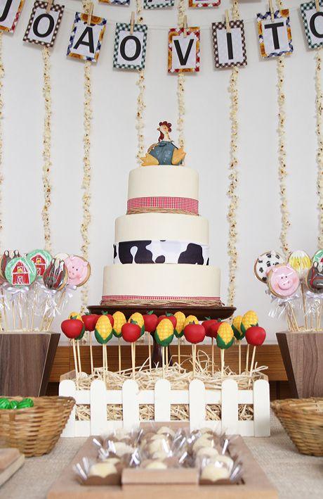 Festa+decoração+Fazendinha+-+bolo+bandeirolas.jpg (460×709)
