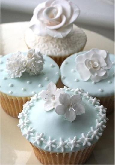 pale blue cup cakes