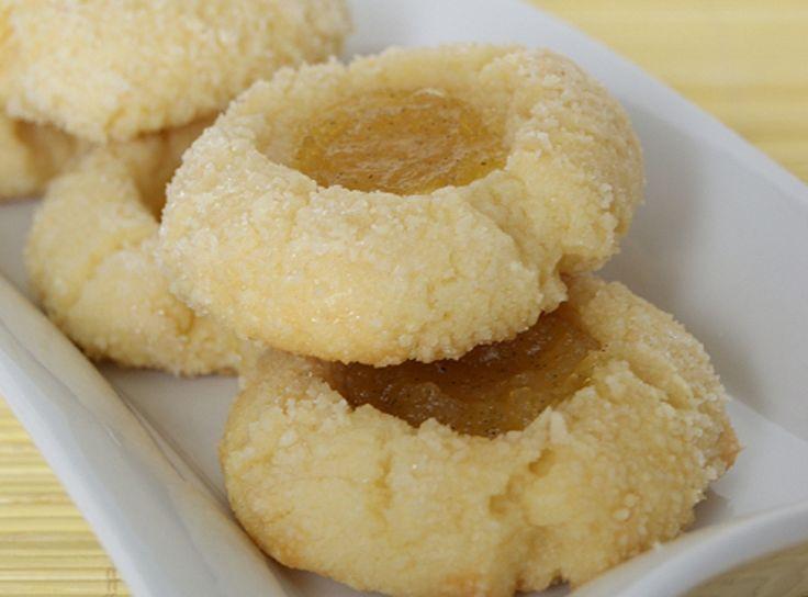 Recette : Petits biscuits sablés à la confiture d'ananas.