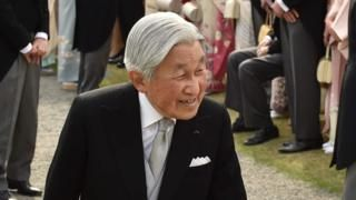 Japan's government has approved a one-off bill which, if passed, will allow Emperor Akihito to abdicate.