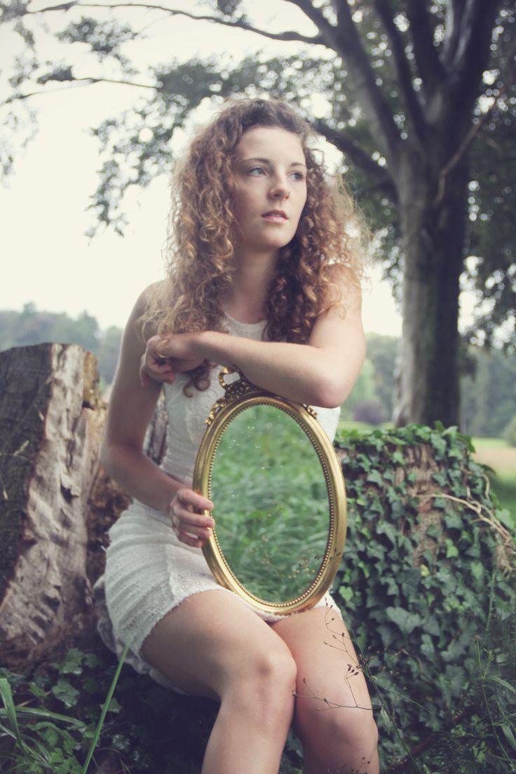 """"""" De l'autre côté du miroir """" Photographie de A. Cltn, Copyright © 2014"""