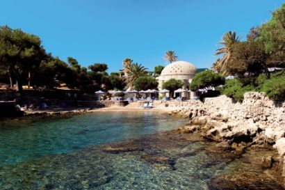 Kalithea is a beautiful beach near the Rhodes town of the Rhodes Island in Greece. Rhodes Island is one of most sort after tourist resort in Europe known for its history, ancient artifacts, sunny and mild weather.