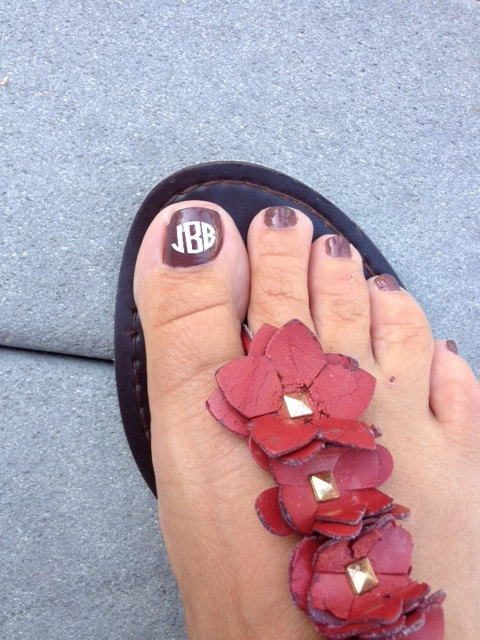 Shut up, I am totally getting these for the beach!  Set of 2 Vinyl Monogram Decals for your toes. $5.50, via Etsy.
