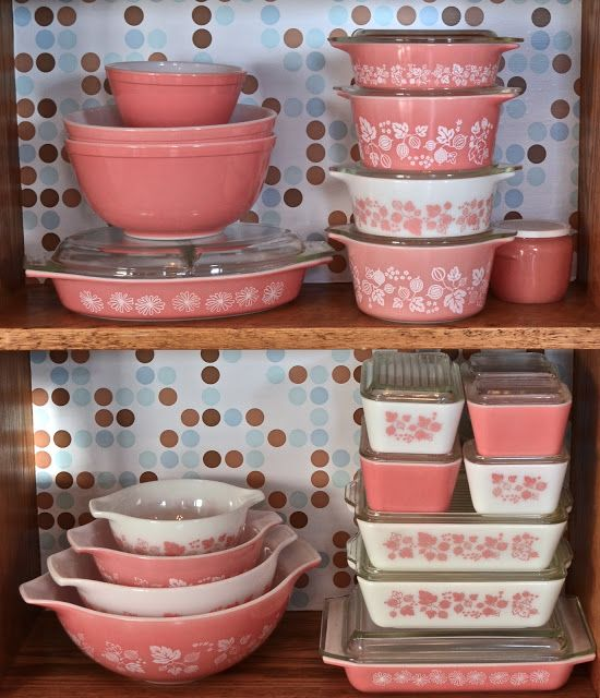 pink vintage pyrex, I have this exact pattern, just looking for one more pyrex bowl to match my set of three! LOVE this color and style!