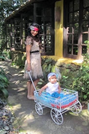 Aline Barros lança grife infantil e filha, Maria Catherine, é estrela do primeiro ensaio - Telinha - Extra Online