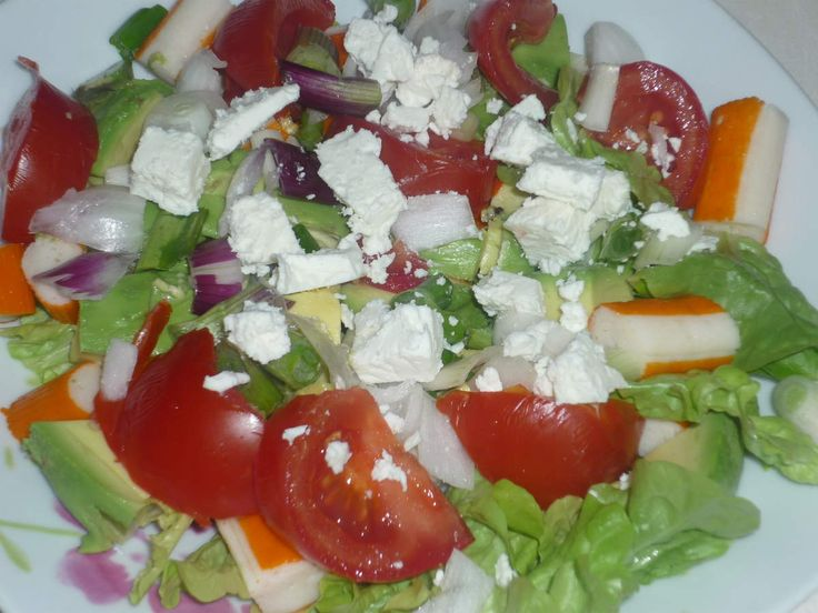 Salade surimi, avocat, tomate