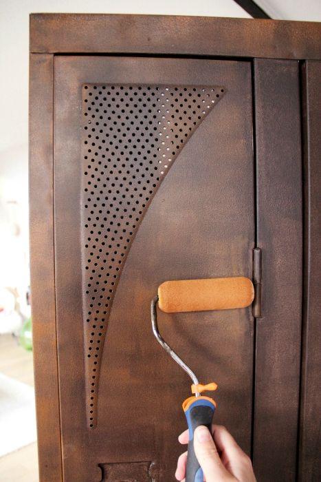 peindre un meuble avec une peinture effet rouille aulnay sous bois 3231. Black Bedroom Furniture Sets. Home Design Ideas