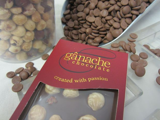 Imagine what you can create at home with delicious couverture chocolate and macadamia nuts.