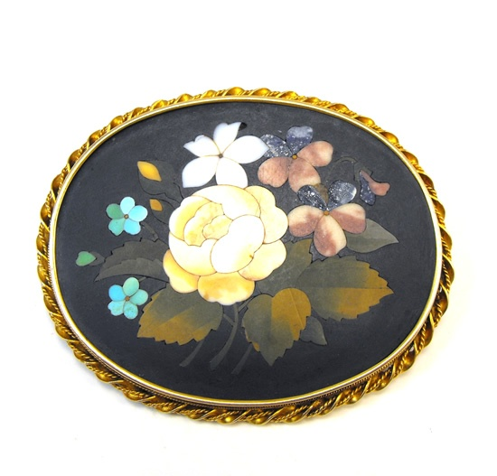 Stunning large Victorian (c.1890) pietra dura 14ct gold brooch consisting of beautifully crafted natural stone inlay of different colours set into a black slate.