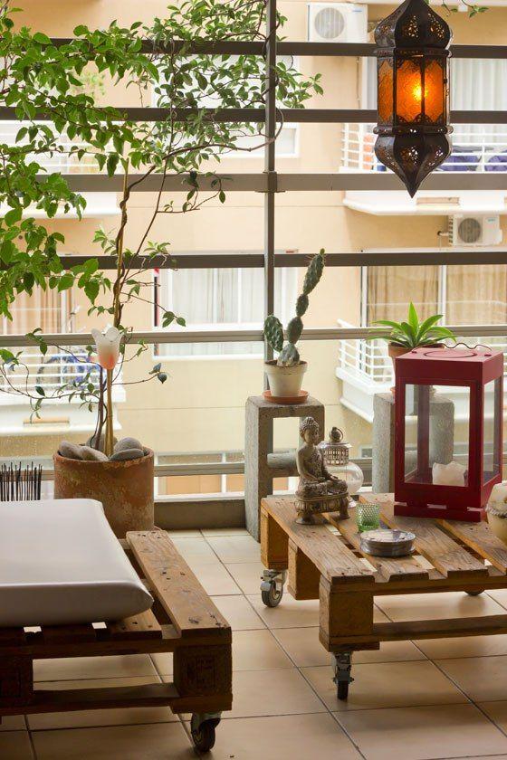 <!--:es-->Nacho (32), auxiliar de vuelo. Departamento de tres ambientes con balcón en Villa Urquiza, Ciudad de Buenos Aires.<!--:-->
