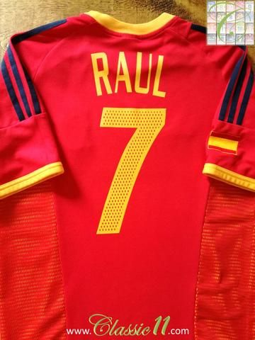 Official Adidas Spain home football shirt from the 2002/2003 season. Complete with Raul #7 on the back of the shirt.