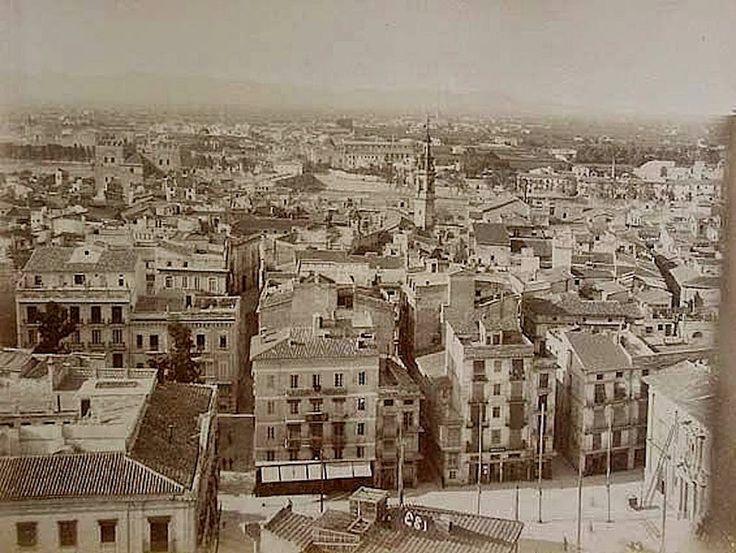 Vista desde el Miguelete al norte de Valencia en 1888.