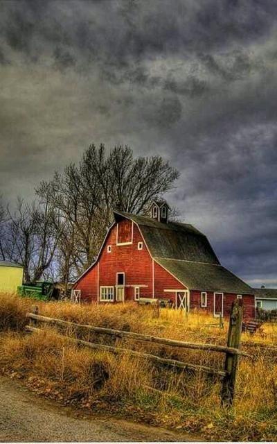 Beautiful barn   Barns Barns Barns