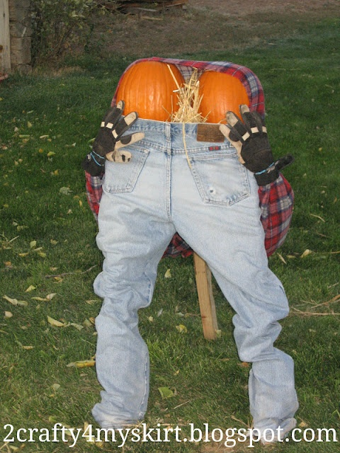 2 Crafty 4 My Skirt: Mooning Pumpkin Man