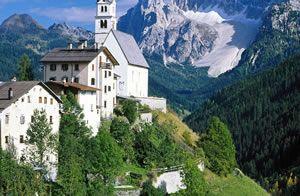természet, táj, napfény, hegy, sziklák, fák, házak, kastély, felhők, kék ég, fotózás