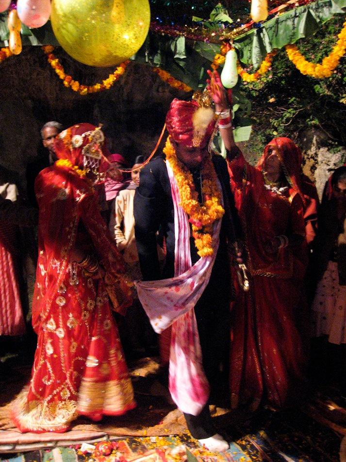 Indian Wedding Mt. Abu Rajasthan India 8X10 Photograph chamelagiri.etsy.com